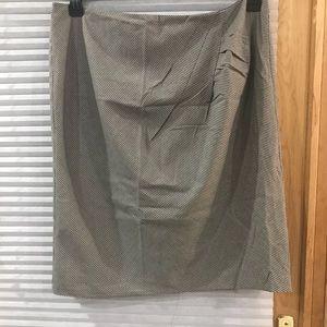 Ellen Tracy houndstooth skirt size 16.